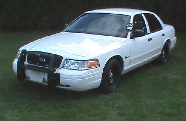 2001 ford crown vic cng cop car ebay motors blog for Crown motors used cars