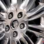 20-inch aluminum alloy wheels standard equipment