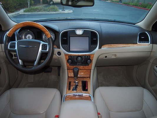 012 Chrysler 300C interior — eBay Motors Blog