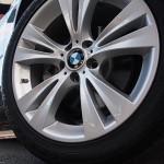 X3 19-inch alloy double-spoke wheels