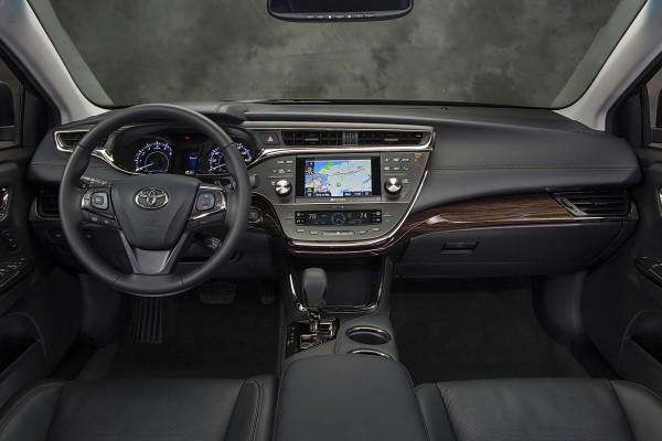 Superior 2013 Toyota Avalon Interior