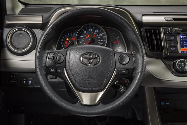 2017 Toyota Rav4 Le Steering Wheel Controls