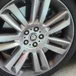 2013 Jaguar XFR 20-inch Nevis alloy wheels