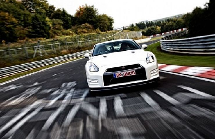 Nissan Gt R Challenges Nurburgring Track Record Video Ebay