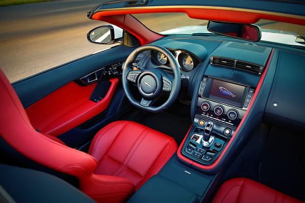2014 Jaguar F TYPE V8 S Driver Cockpit