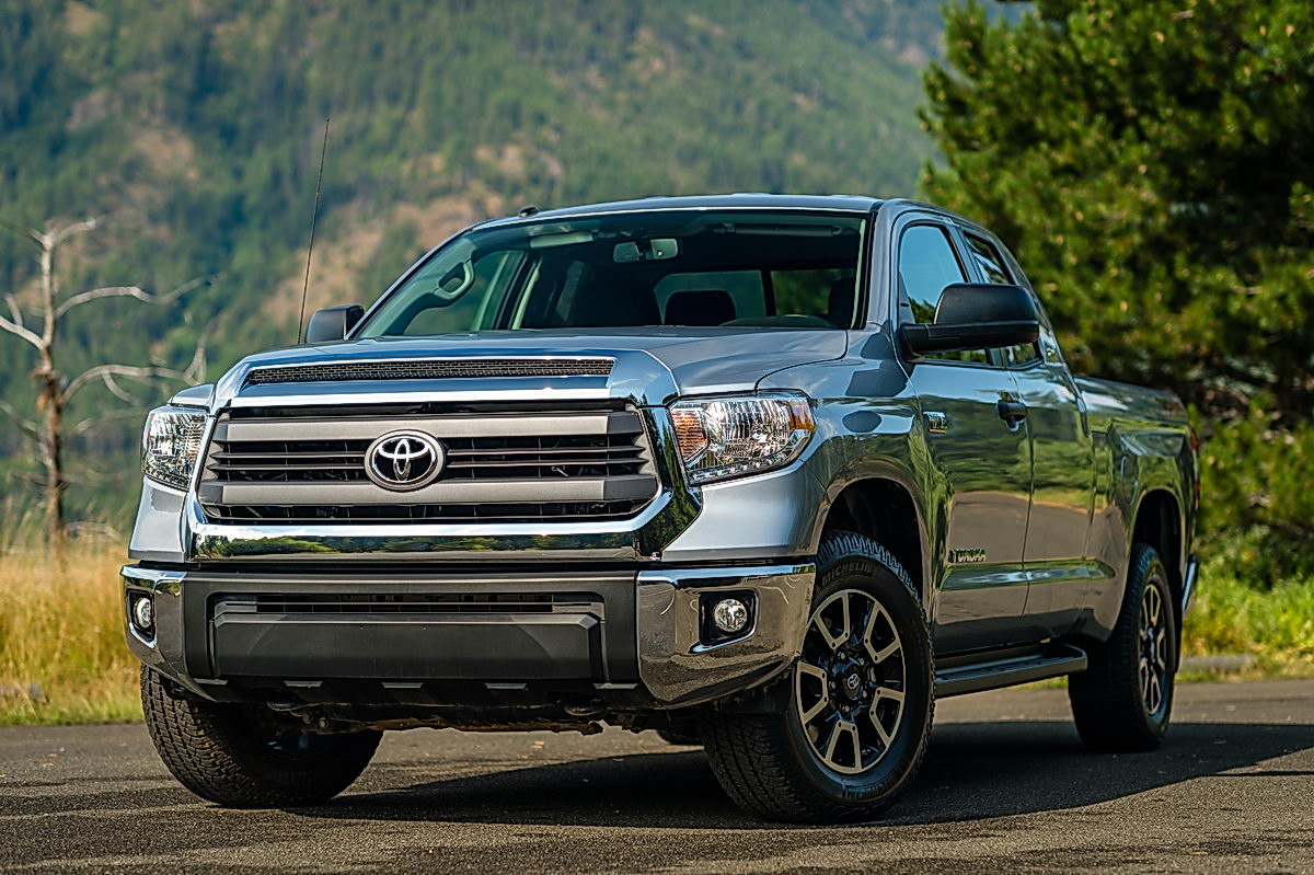 widescreen toyota tundra front pin wallpaper