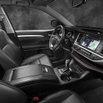 2014 Toyota Highlander front row seats