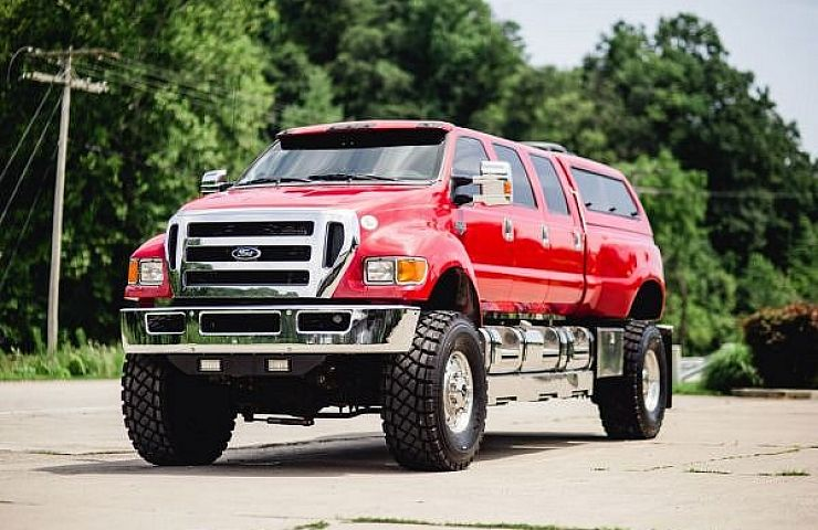 The Ford F-650 and F-750 are Americau0027s ubiquitous medium-duty commercial trucks. Theyu0027re typically outfitted as dump trucks delivery trucks utility trucks ... & Taking Pick-Ups to the Extreme: Custom Six-Door Super Trucks | eBay ...