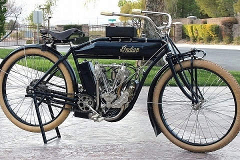 ' ' from the web at 'https://www.ebaymotorsblog.com/motors/blog/wp-content/uploads/2018/03/1911-Indian-motorcycle-1-1200-686x400-480x320.jpg'