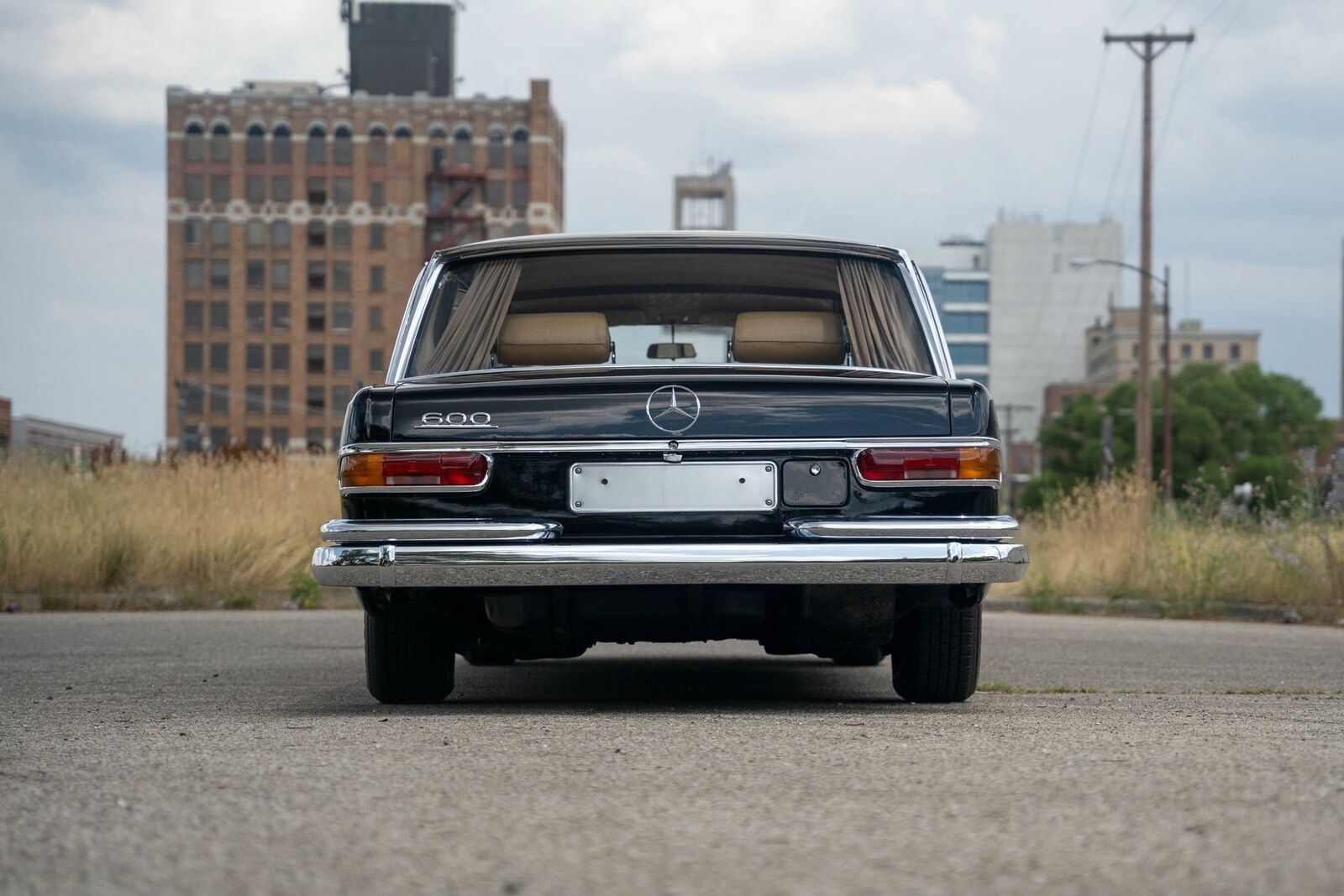 The Mercedes 600 Pullman sat on air suspension that cushioned the ride for VIP passengers.